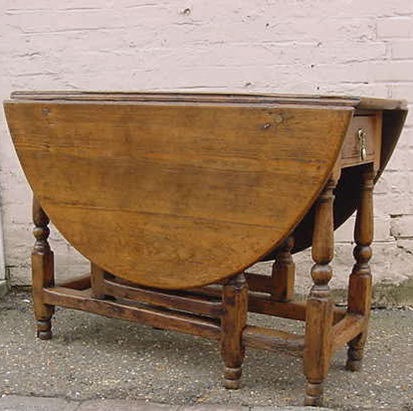 Lovely Antique Gateleg Table