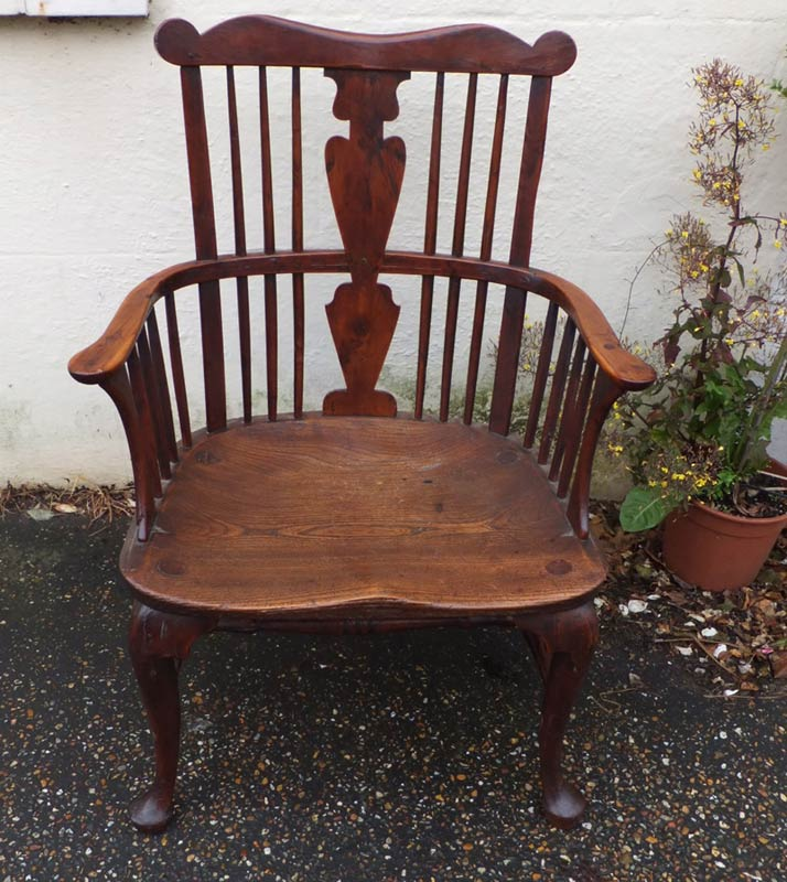 Comb Back Windsor Chairs Settles