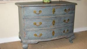 Swedish Commode - £2,750