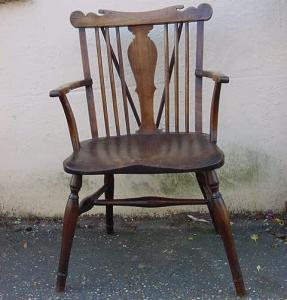 Thames Valley Comb back Windsor chair - £795